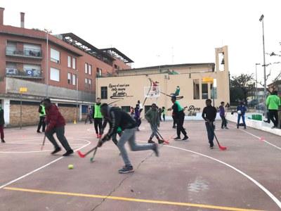 270 infants i joves de Banyoles participen al programa socioesportiu Barris 10