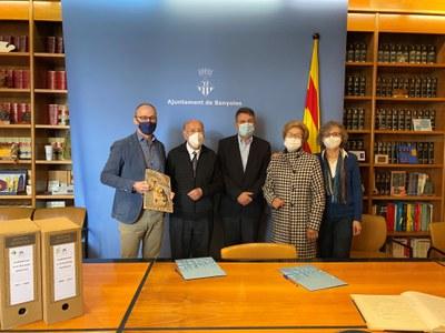 Banyoles rep el fons de l'Homenatge a la Vellesa per a l'Arxiu Municipal