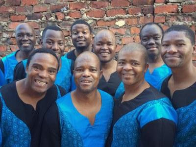 Els Ladysmith Black Mambazo faran parada dissabte a l'Auditori de l'Ateneu de Banyoles amb totes les entrades venudes