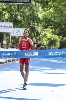 La Copa del Món de Paratriatló i el Triatló de Catalunya tanquen el cap de setmana de triatló internacional de Banyoles