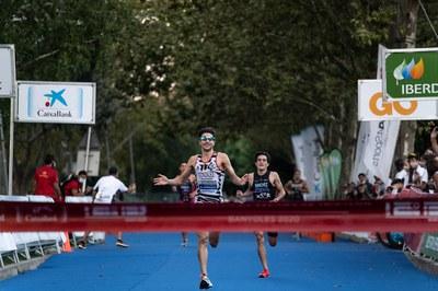 Paula Herrero i Alberto González s'imposen en el Campionat d'Espanya Elit de triatló a Banyoles