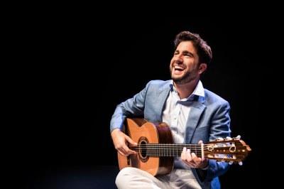Rafael Aguirre torna a l'Auditori de l'Ateneu de Banyoles amb un recital en solitari on interpretarà les obres mestres del seu repartori